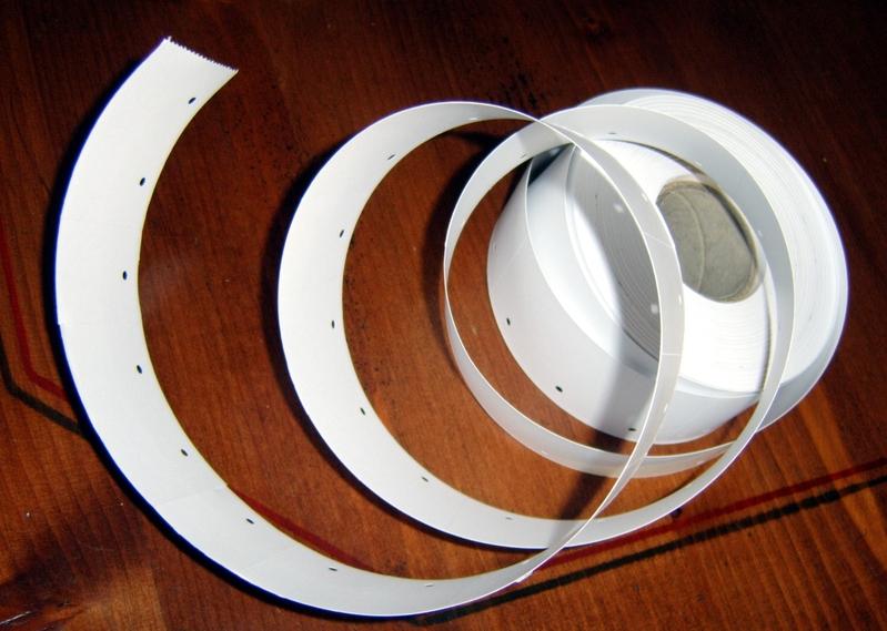 etiketten auf der rolle 30 x 40 mm hmv ladeneinrichtungen. Black Bedroom Furniture Sets. Home Design Ideas